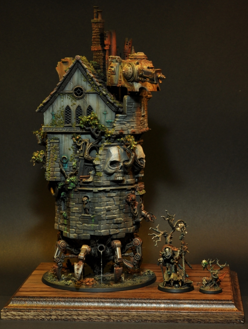 The fabulous walking tower of the Hermit