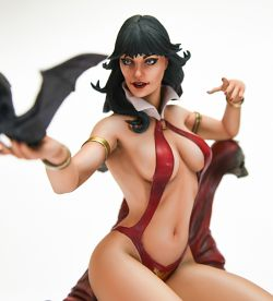 Vampirella (Sideshow Collectibles)