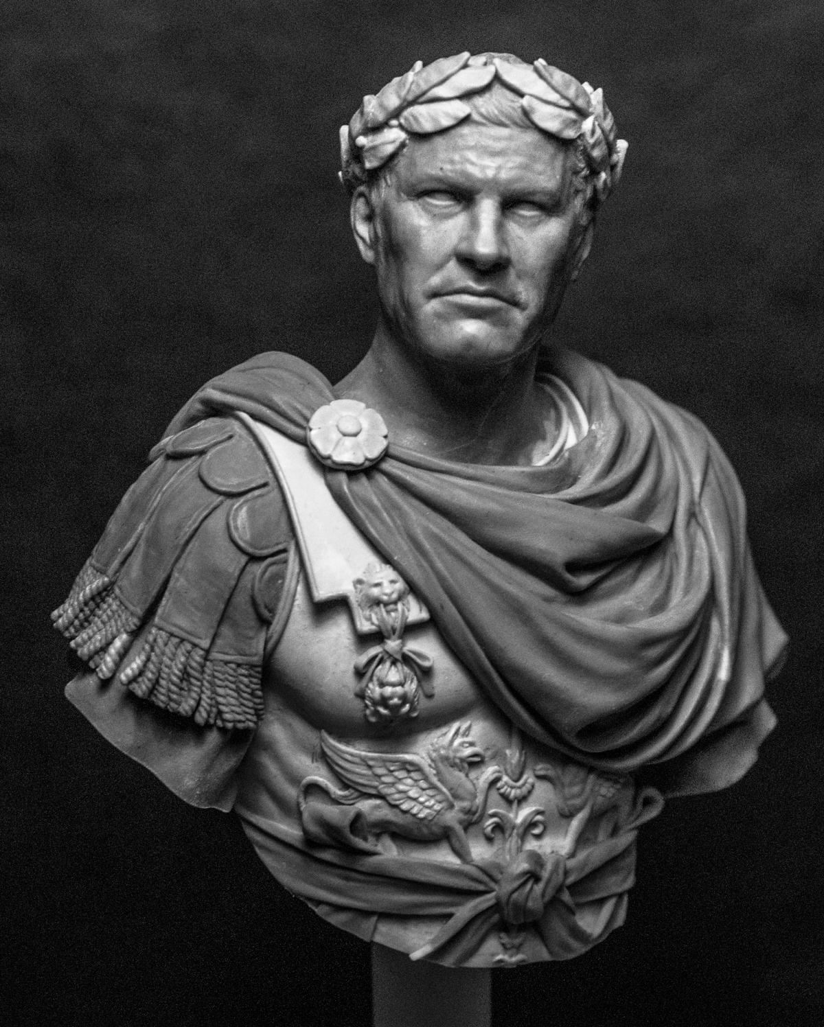julius ceaser The action begins in february 44 bc julius caesar has just reentered rome in triumph after a victory in spain over the sons of his old enemy, pompey the great.