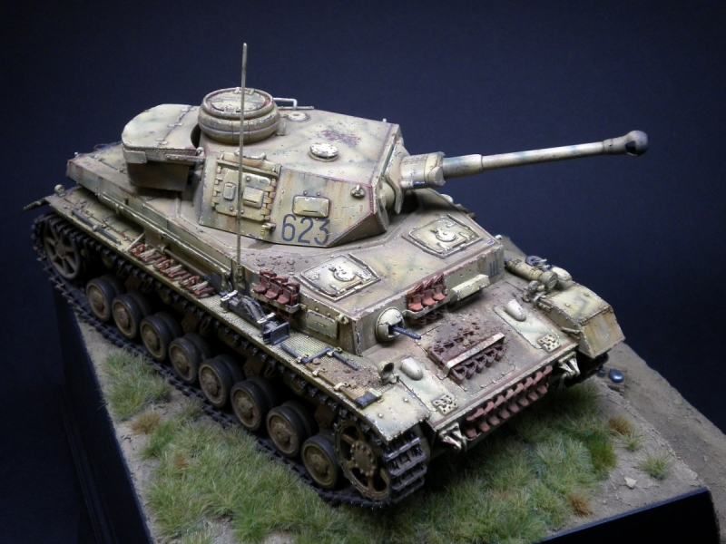 Dragon Models - Pz.Kpfw. IV Ausf.F2 - At Kursk
