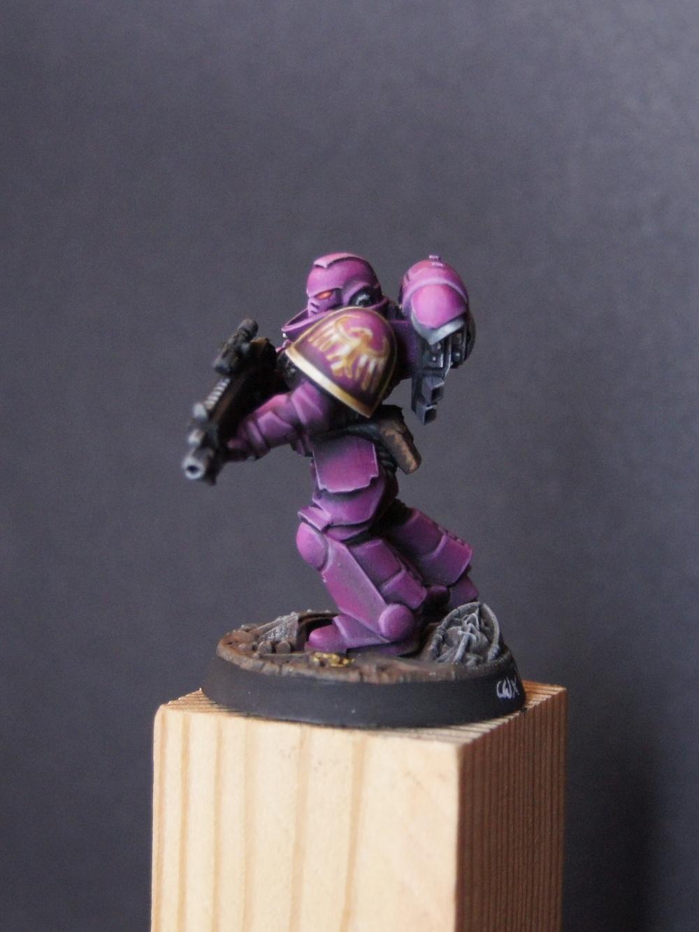 Bitz atrapar e-Puño de los Space Marines