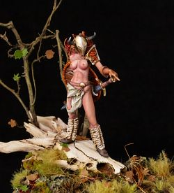 Tribute to Frank Frazetta (Narga, queen of the north - 54mm & PFWorks Dragon Skull)