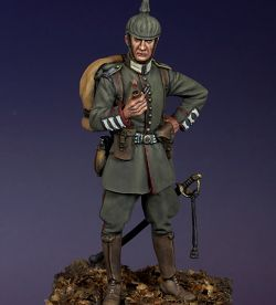 Oberleutnant, 3rd Guards Reg, Queen Elizabeth, River Sambre 1914, Tommy's War 54mm (TW32CP12)