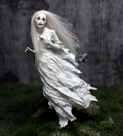 """Sad Ghost Woman"" - 1:12 Scale"