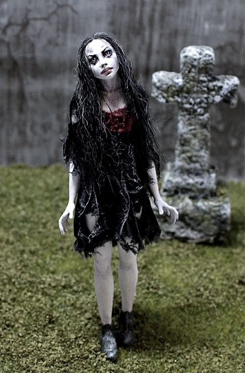 "Ghost Girl ""Sam"" - 1:12 Scale"
