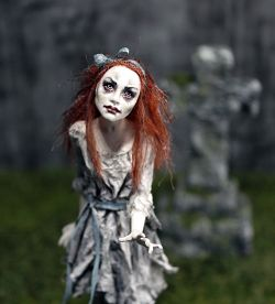 "Newborn Zombie Girl ""Alice""  - 1:12 Scale"
