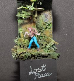 Lost Place with Sadie - Hasslefree Miniature