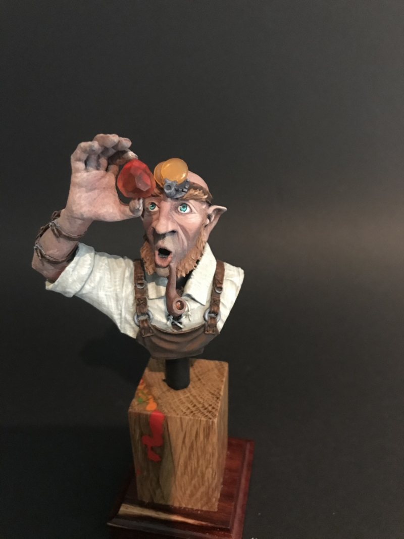 Gnom Jeweler, bust from Smok Sculptures