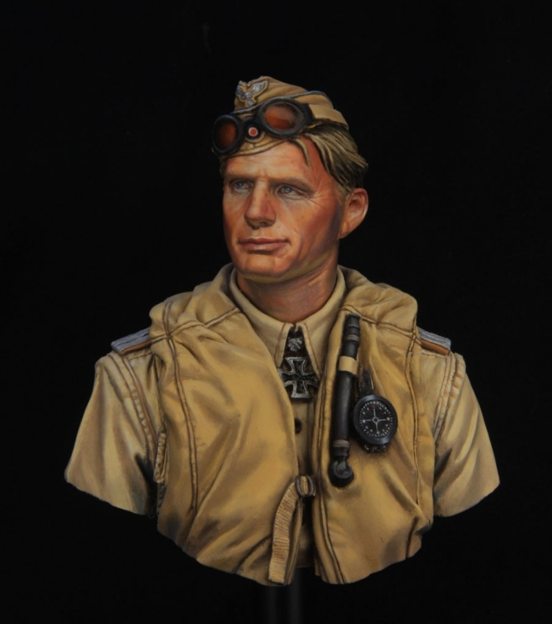 Luftwaffe pilot North Africa WWII 1\10 scae bust by Young miniatures