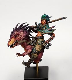 Leah Falkenwrath, the Raptor rider