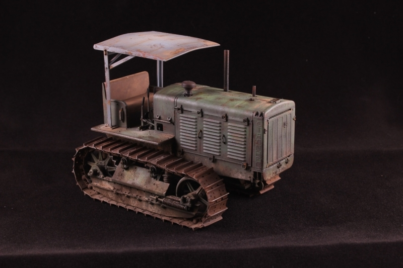 Built Stalinetz ChTz-65 Traktor S-65 with Hood 1/35 scale