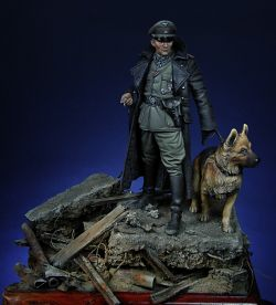 SS Officer with dog
