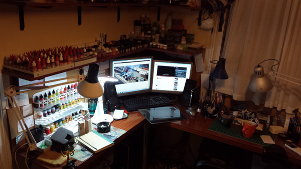 Alfonso Giraldes workspace at home